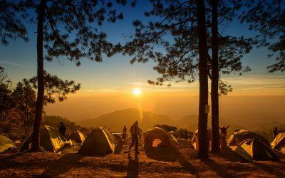Séjourner dans un camping ou louer une chambre d'hôtel ?